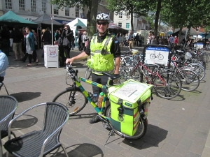Bicycle ambulance and paramedic