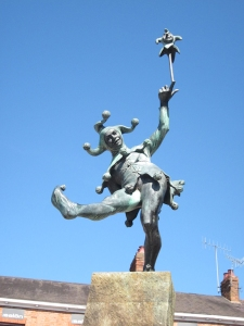 Jester statue in Stratford-upon-Avon